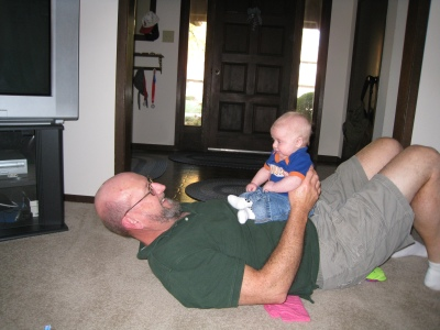 grandpa-and-kivrin-situps