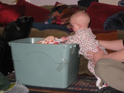 kivrin-unpacking-the-box