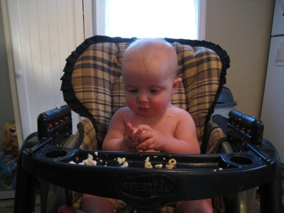 babys-first-tofu-handfuls