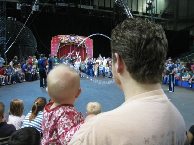 k and dan watching circus