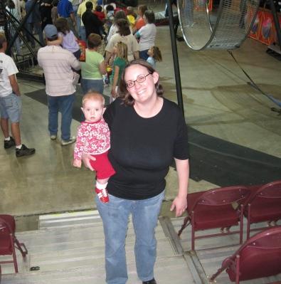 kivrin and lissa at the circus