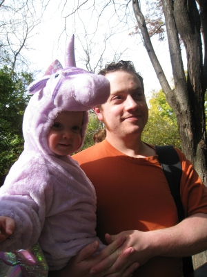 kivrin and daddy boo at the zoo