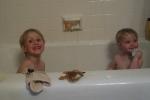 kids sharing thebath2